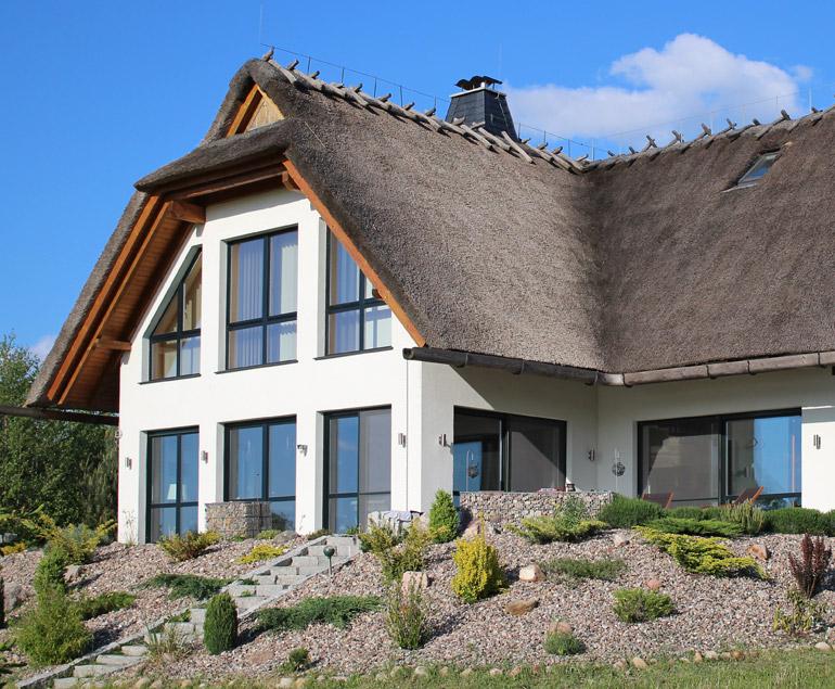 Neubau Reetdach Plan-Haus Juskowiak Bauunternehmen