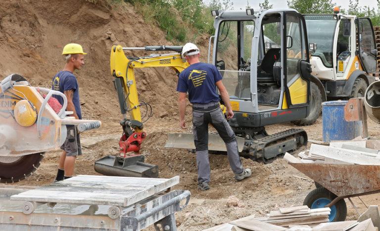Mitarbeiter Plan-Haus Juskowiak auf der Baustelle